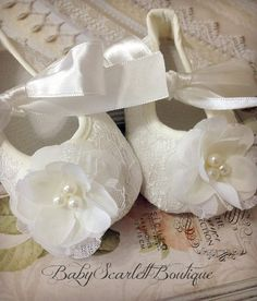 Off White Lace Baby Girl ShoesCrib Shoes by babyScarlettBoutique, $15.99