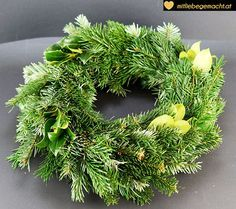 Adventskranz binden Christmas Wreaths, Merry Christmas, Diy And Crafts, Floral Wreath, Holiday Decor, Inspiration, Style, Fashion Styles, Winter Christmas