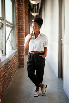 The Tiny Closet so chic! Tomboy Fashion, Office Fashion, Women's Fashion, Sleek Updo, Professional Outfits, Young Professional, Tiny Closet, Kinds Of Clothes, Teacher Outfits