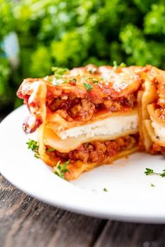 Mini Lasagna Cups are the perfect appetizer addition to your parties, or even just a new easy way to put together lasagna for dinner! So delicious, and so much fun! Pasta Pizza, Chicken Pasta, Best Salmon Marinade, Stay At Home Chef, Pasta Dishes, Other Recipes, Italian Recipes, Ricotta, The Best