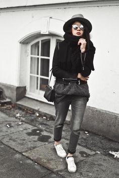 Szary sweter, czarna bomberka h&m