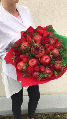 Keto Apple Recipes, Flower Shop Decor, Food Bouquet, Valentine Bouquet, Flower Box Gift, Edible Bouquets, Fruit Gifts, Cake Decorating Videos, Deco Floral