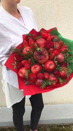 Edible Arrangements, Flower Arrangements, Lemon Pepper Chicken Wings Recipe Baked, Keto Apple Recipes, Flower Shop Decor, Food Bouquet, Valentine Bouquet, Flower Box Gift, Edible Bouquets