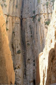 Spain's El Caminito del Rey. The most dangerous path in the world.