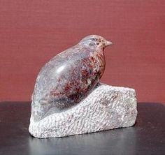 kwartel (roze) Organic Sculpture, Bird Sculpture, Stone Sculpture, Animal Sculptures, Soapstone Carving, Rock Decor, Pottery Designs, Outdoor Art, Stone Art