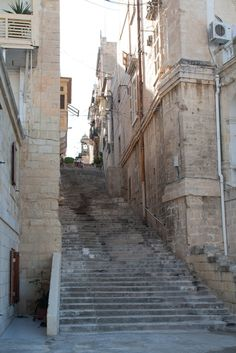 https://flic.kr/p/axjhVn | Senglea Staircase - Malta | From the marina up to the church