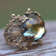 ❥ Swarovski ring~ vintage, faceted, rustic green brown celadon
