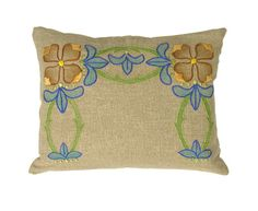 Arts & Crafts - Pillow - Textile - Embroidery - Bungalow