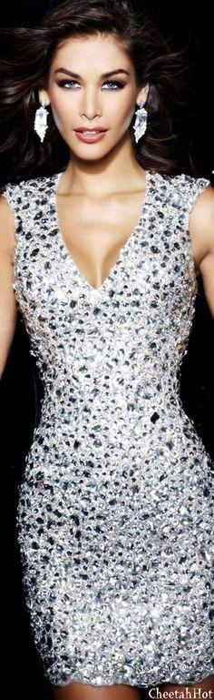 SHERRI HILL - Gorgeous Gown !