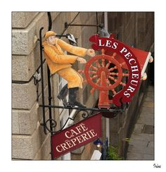 Enseigne à St-Malo (Ille & Vilaine) a sign on a restaurant in Saint Malo, France.