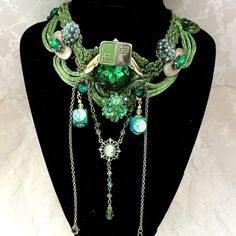 Elegant Emeral Green Necklace Work of Art by HopscotchCouture, $137.00