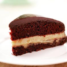 Bartlesville Cream Pie from The Pioneer Woman Cream Pie Recipes, Cake Recipes, Dessert Recipes, Dessert Ideas, Ree Drummond, Just Desserts, Delicious Desserts, Caramel Pudding, Caramel Ganache
