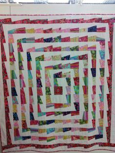 Love this!  Super easy to make too!   Artwork at @European Patchwork Meeting 2012
