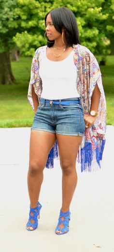 Kimono Summer Outfit Idea but with longer shorts Moda Fashion, Girl Fashion, Fashion Outfits, Womens Fashion, Fashion Trends, Curvy Fashion, Summer Wear, Spring Summer Fashion, Spring Outfits