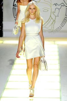 Versace Spring 2012 Ready-to-Wear Fashion Show - Ginta Lapina