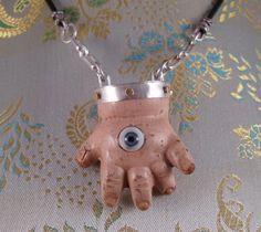 Eye-Hand Necklace by Artisan Crafts / Jewelry Weird Jewelry, Cute Jewelry, Diy Jewelry, Jewelry Making, Jewellery, Halloween Doll, Halloween Snacks, Piskel Art, Manequin