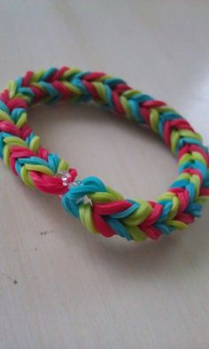 Double banded fishtail braclet