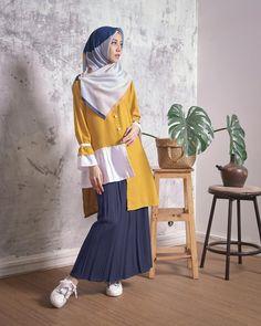Gefällt mir, 17 Kommentare - KIA von Zaskia Sungkar ( in Inst . Abaya Fashion, Skirt Fashion, Trendy Fashion, Womens Fashion, Style Fashion, Autumn Fashion, Muslim Women Fashion, Hijab Chic, Mode Hijab