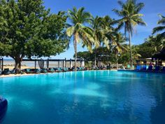 Blue Skies above us, sand beneath our feet...the Anchorage Beach Resort holiday is all good at this time of the year! http://www.anchoragefiji.com/
