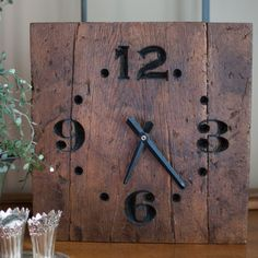 https://urbanglamourous.wordpress.com/…/decorando-com-relog… #clock, #decoraçãoútil, #dontlosetime, #nãoperderotempo, #Relógio, #usefuldecor