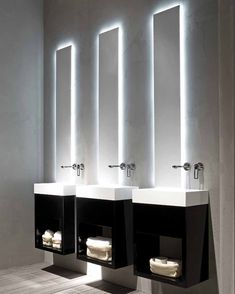 backlit mirrors Black and white modern minimalist bathroom Lavamani - RIFRA