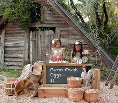 Party Frosting: Farm/Barn party ideas and inspiration Fall Photo Booth, Photo Shoot, Photography Mini Sessions, Spring Photography, Photography Ideas, Easter Pictures, Farm Pictures, Fall Mini Sessions, Farm Kids