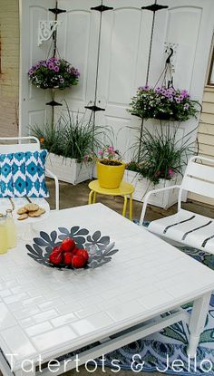 Update an old outdoor table with this Subway Tile Table Makeover tutorial!! -- Tatertots and Jello #DIY #outdoor