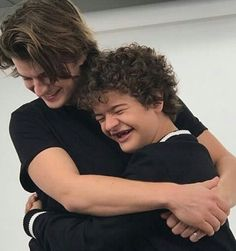 Immagine di stranger things, joe keery, and gaten matarazzo Stranger Things Actors, Stranger Things Steve, Stranger Things Aesthetic, Stranger Things Funny, Stranger Things Netflix, Millie Bobby Brown, Joe Kerry, Funny Pictures