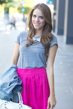 I want her haircut.   Lots of cute outfit ideas \\ Julia Engel, Gal Meets Glam