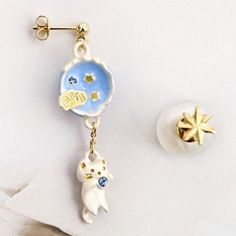 Pair of Chic Faux Pearl Earth Kitten Shape Asymmetric Earrings For Women-1.84 and Free Shipping  GearBest.com