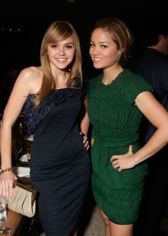 Aimee Teegarden Photos - Actresses Aimee Teegarden (L) and Erika Christensen attend ELLE Women In Television event at Soho House on January 2011 in West Hollywood, California. - ELLE Women In Television Event - Inside Hollywood California, West Hollywood, Erika Christensen, Aimee Teegarden, Soho House, January 27, Sports Photos, Ravens, American Actress
