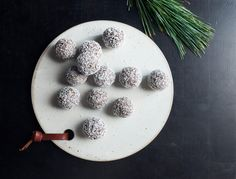 An amped up version of our detox truffle, these ones, made with espresso powder, are the perfect holiday dessert. They're easy, refined sugar-free, and always a crowd-pleaser.