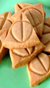 Deathly Hallows Cookies- @Tara Rochelle we are making these over break!