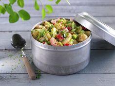 Den perfekte piknik-maten - MatPrat Norwegian Food, Fritters, Chorizo, Pulled Pork, Potato Salad, Salsa, Sandwiches, Veggies, Potatoes