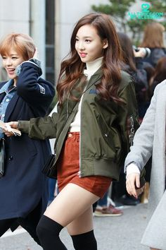 TWICE Nayeon Airport Fashion  트와이스 나연 공항패션/사복             Name : Im Nayeon (임나연)   Age : 21   Height : 163cm                             ...