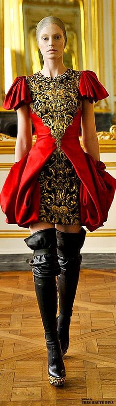 Alexander McQueen Fall 2010 | The House of Beccaria~