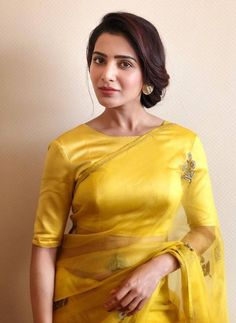 Samantha Ruth Prabhu is a seductive Tollywood actress. She appeared in multi-language films. Mostly, she performed in South Indian cinema. Samantha Ruth gave the performance in superhit films. Samantha In Saree, Samantha Ruth, Indische Sarees, Samantha Images, Yellow Saree, Saree Look, South Indian Actress, South Actress, Indian Beauty Saree