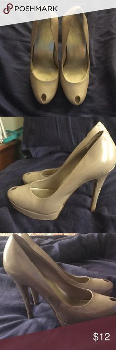 [Jessica Simpson] Nude Heels Patent leather heels that have some blemishes from wear (shown in pictures). These are from a pet free and smoke free home. Jessica Simpson Shoes Heels