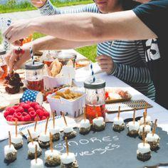Muffins déjeuner aux fruits • Alex Cuisine Biscuits, Table Decorations, Desserts, Dates, Cooking Food, Recipes, Home, Crack Crackers, Tailgate Desserts