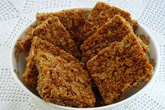 Baking and Confectionery Crunchie Recipes, Breakfast Recipes, Dessert Recipes, Desserts, New Recipes, Favorite Recipes, Anzac Biscuits, Biscuit Cake, South African Recipes