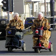 I love this picture.  I will not hesitate to buy one of those when I need it.  And I will not hesitate to run over someone's toes and then blame it on being old.