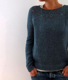 Yume Knitting pattern by Isabell Kraemer – Knitting Ideas Christmas Knitting Patterns, Sweater Knitting Patterns, Universal Yarn, Dress Gloves, Red Heart Yarn, Arm Knitting, Yarn Brands, Work Tops, Pulls