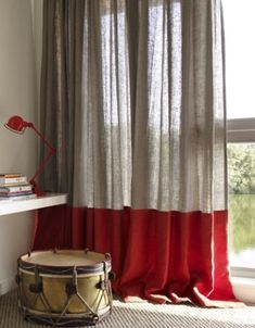 Color blocked red and oatmeal natural linen Home Curtains, Hanging Curtains, Curtains With Blinds, Red Curtains, Linen Curtains, Drapery, Curtain Styles, Curtain Designs, Scandinavian Curtains