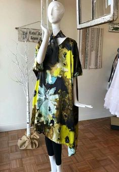 Krista Larson Plus Size Designers, Layered Look, Designer Clothing, Plus Size Outfits, Repurposed, Boho Chic, That Look, Layers, Jeans
