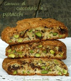 CANTUCCI AL CIOCCOLATO E PISTACCHI-001 Italian Cookies, Italian Desserts, Mini Desserts, Cookie Desserts, Italian Recipes, Cookie Recipes, Biscotti Cookies, Biscotti Recipe, Croissant Recipe