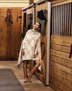 www.pegasebuzz.com | Bella Hadid by Sebastian Faena for Porter Magazine, october 2015