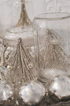 """As Christmas draws nearer and nearer, I thought I would share my 75 favorite holiday decor ideas. This post hi-lights a variety of ways for you to add a little """"scabby chic"""" to your Christmas. Enjoy. I have taken the Read on! →"""