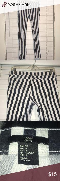 Striped H&M Jeggings Black stripped h&m jeggings, size:8, super stretchy waist, mid-rise, super skinny H&M Pants Capris