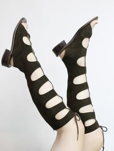Amazing 1970s gladiator sandals! Done in a deep brown soft leather. Lace up front, leather soles. Short kitten heel. Made in Italy ♥ We can totally imagine Pattie Boyd owning a pair of these!   ♥♥♥ Brand: Capezio Size on tag: -- Fits like: 6.5 US / 36.5 EU / 4.5 UK Color: Brown Material: Leather Condition: Very Good Vintage: light wear to soles  ✂-----Measurements Length Heel to Toe Inside: 9.5 Width Widest Part Outside: 3.25 Heel Height: 1  m i n t : pristine with no signs of wear…