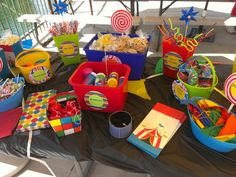 Cute carnival theme birthday party! My friend, Bridget, does the cutest parties.